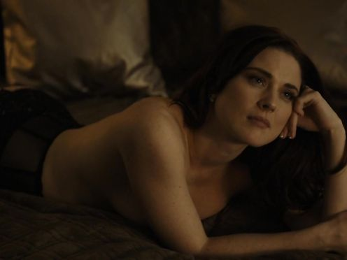Alexandra Breckenridge – Zip strip (2015)