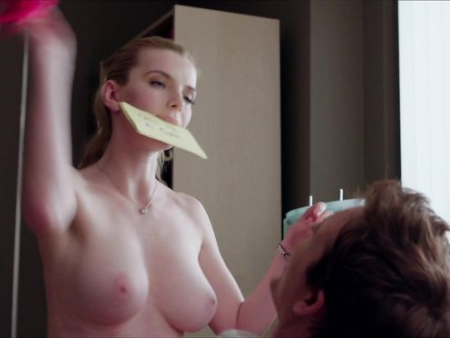 Betty Gilpin naked – Nurse Jackie s05 (2014)