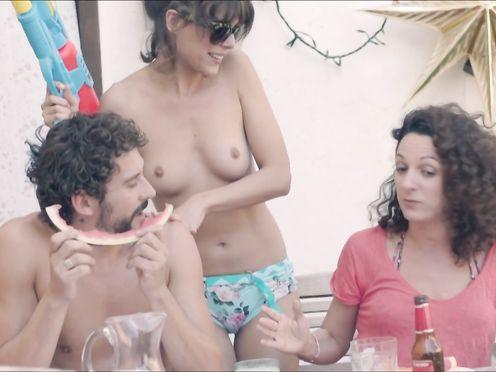 Candela Pena, Claudia Perez Esteban – Kiki, el amor se hace (2016)