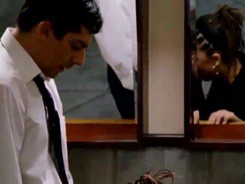 Candela Pena – Princesas (2005)