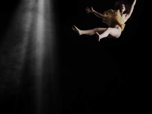Adrienne Mora naked – Reimagining Gentileschi's Danae (2016)