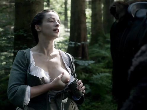 Laura Donnelly naked – Outlander s01e14 (2015)