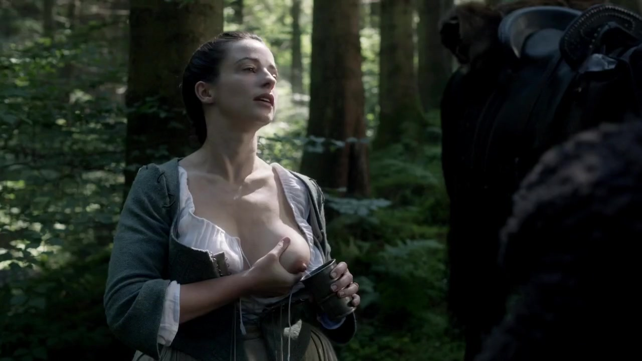 Boobs Laura Donnelly nude (96 photos), Sexy, Cleavage, Selfie, cleavage 2015
