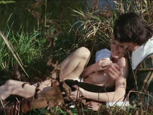 Ingrid Steeger naked – Die Sexabenteuer Der Drei Musketiere (1971)