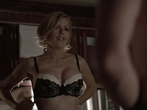 Kathleen Robertson – Boss (2012)