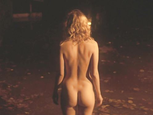 Hannah Murray naked, Elinor Crawley naked – Bridgend (2015)