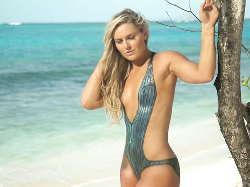 Lindsey Vonn, Caroline Wozniacki, Ronda Rousey nude- Behind The Tanlines (2016)