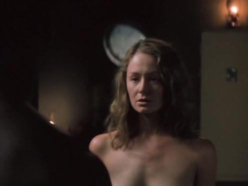 Miranda Otto naked – Kin (2000)