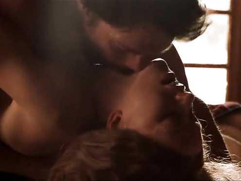 Naomi Watts 'The Outsider (2002)' (Intercourse, Without bra)