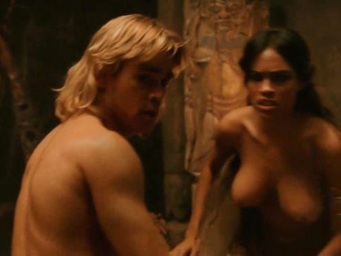 Rosario Dawson naked – Alexander (2004)