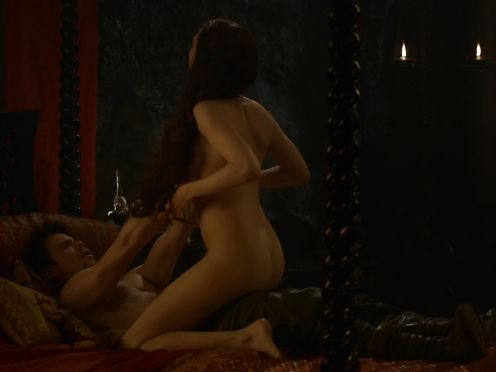Carice Van Houten – GAME OF THRONES (S03 E08)