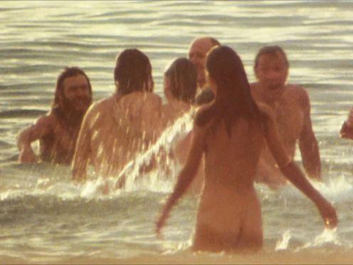 Rebecca Gilling & Victoria Anoux – Stone (1974)