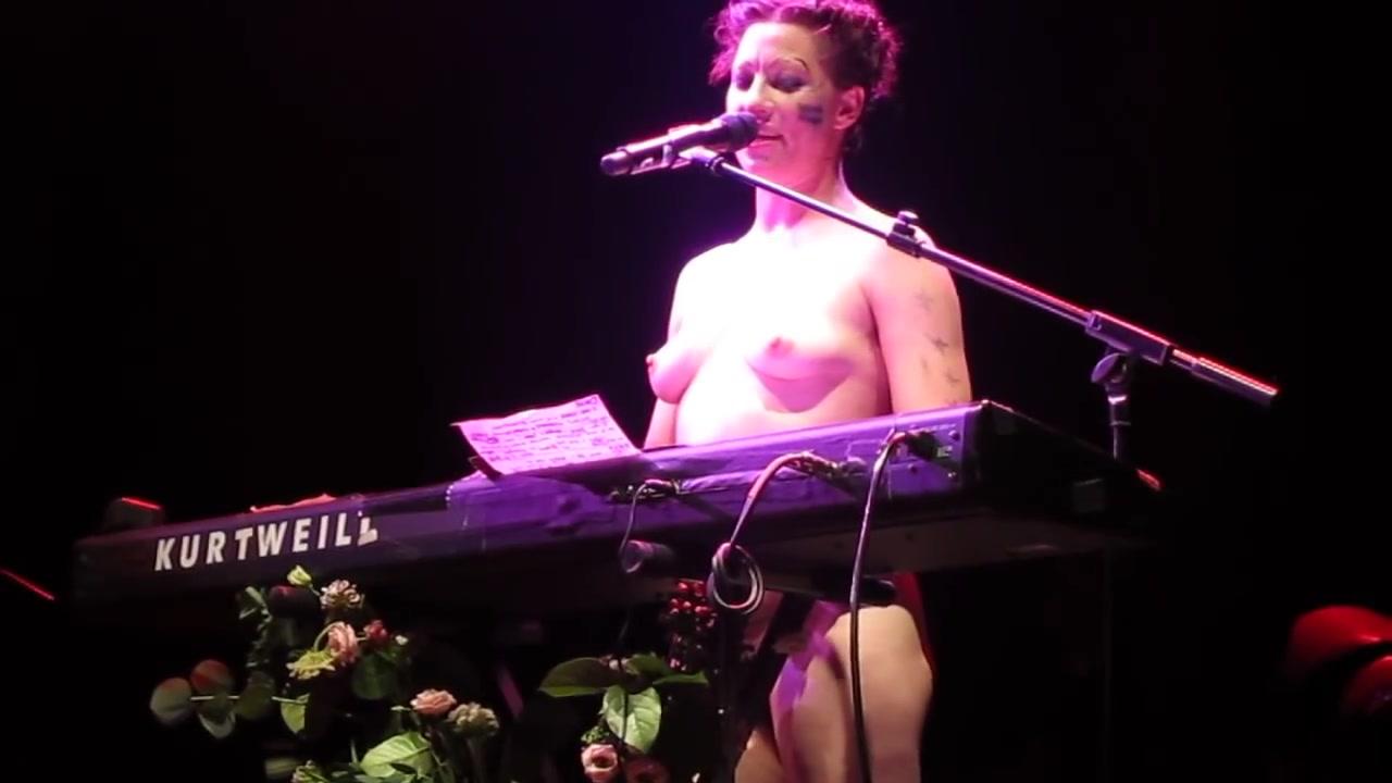 Amanda Palmer  nackt