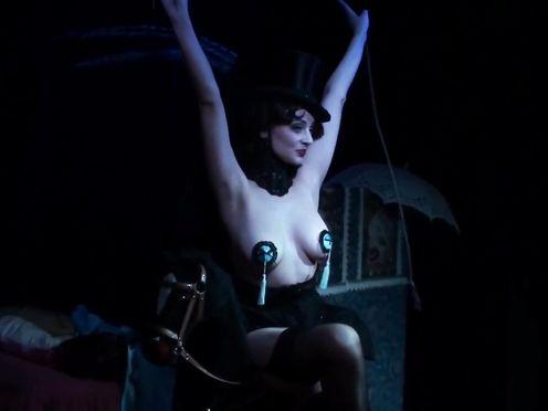 Burlesque Disrobe SHOW – Lyalya Bezheckaya