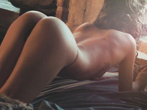 Model Naked-Video – Lisa