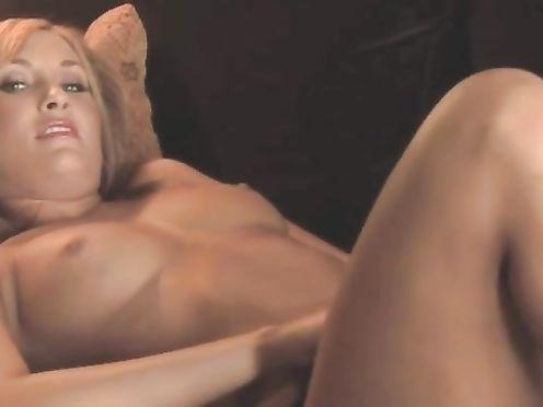 Nude – Movie – Aileen