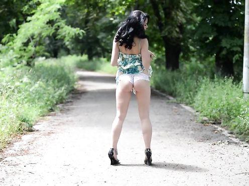 Nude Model – Mabina
