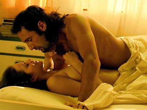 Marion Cotillard naked – Enjoy Me if You Dare (2003)
