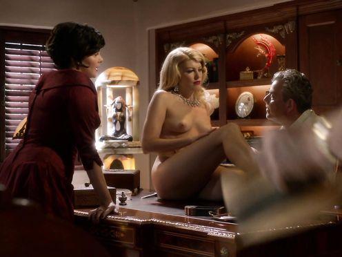 Meredith Ostrom nude – Magic City S02E01 (2013)