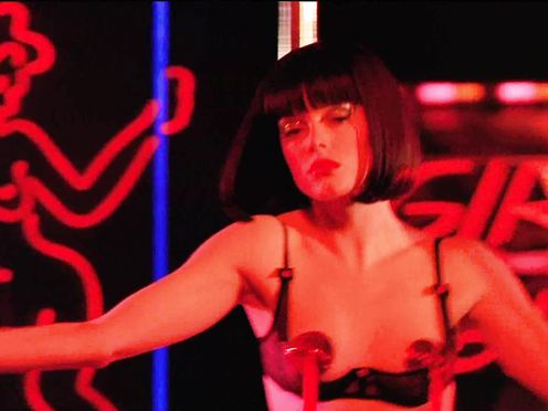 Rose McGowan naked – Roads to Riches (2002)