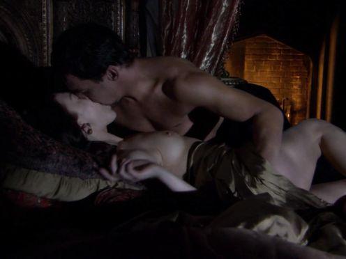 Natalie Dormer naked – The Tudors S02E02 (2008)