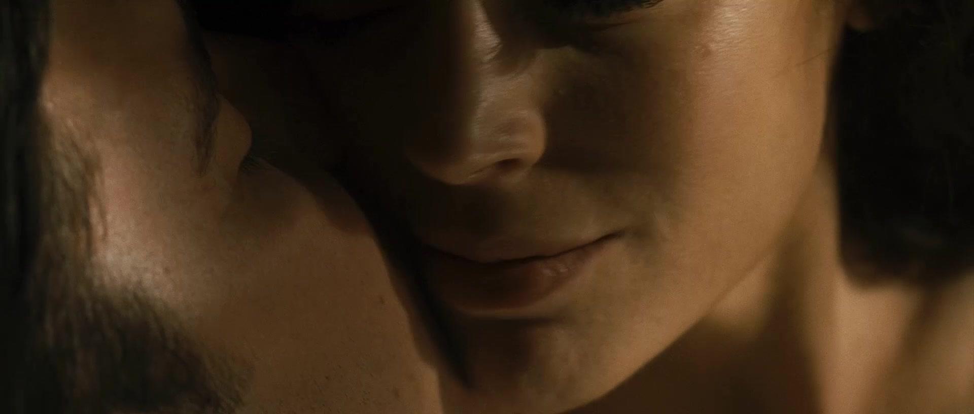Alyssa Milano Nude In Movies