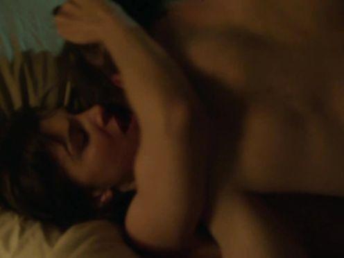 Aylin Tezel naked hot scene – Die Informantin (2016)