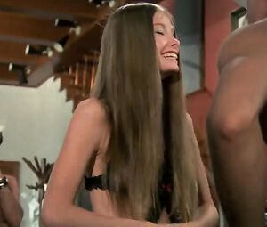 Lynn Lowry  nackt