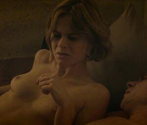 Lana nackt Joyce A strong