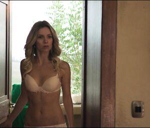 Anabelle Wallis Nude
