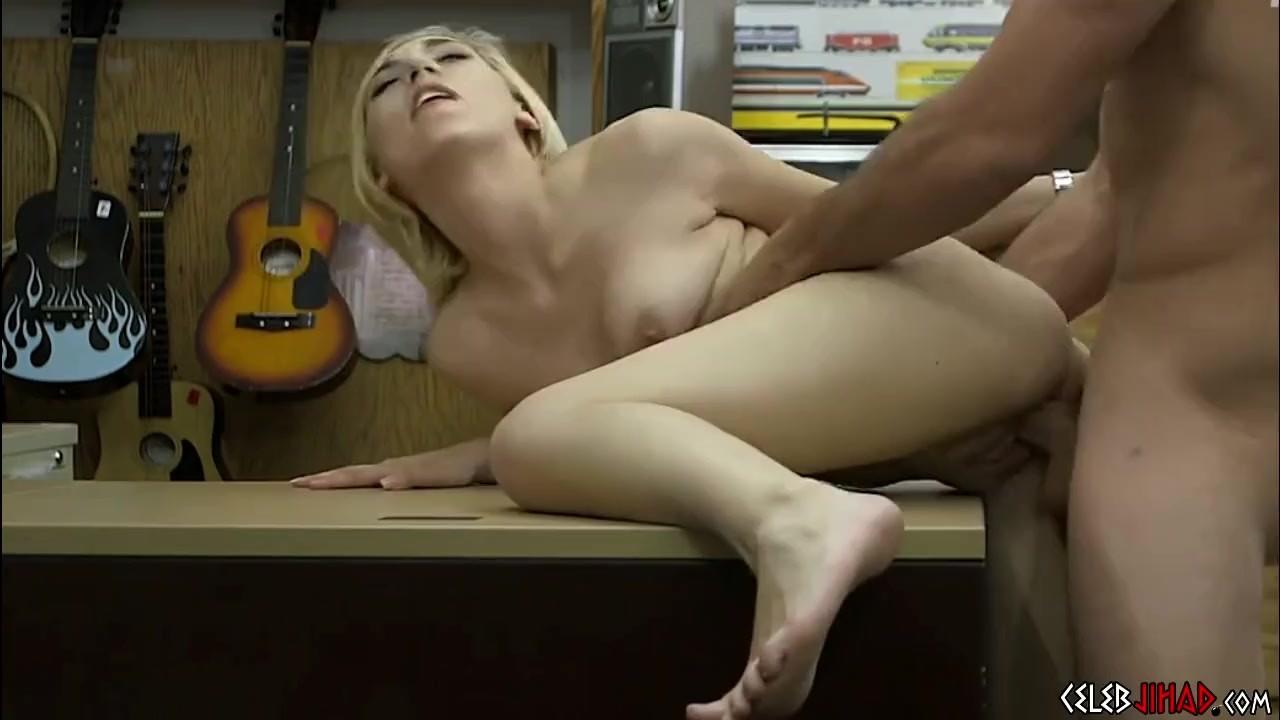 Nackt scene johansson scarlett Under the