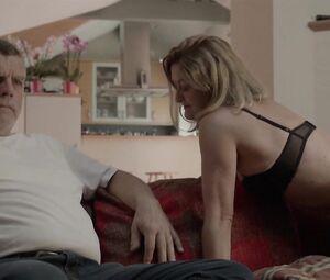 Video nackt antje mönning Nackt Yoga