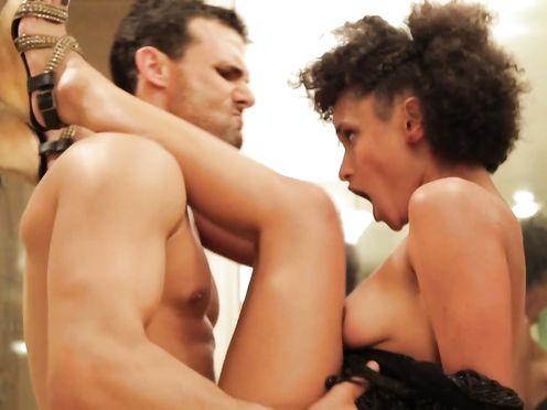 Marshelle Honest naked & La Dillard – DTLA (2012)