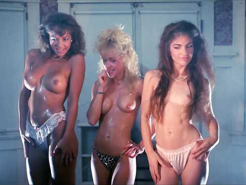 Michelle Bauer & Linnea Quigley & Brinke Stevens – Nightmare Sisters (1988)