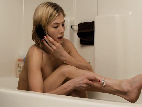 Rosamund Pike naked – Return to Sender (2015)