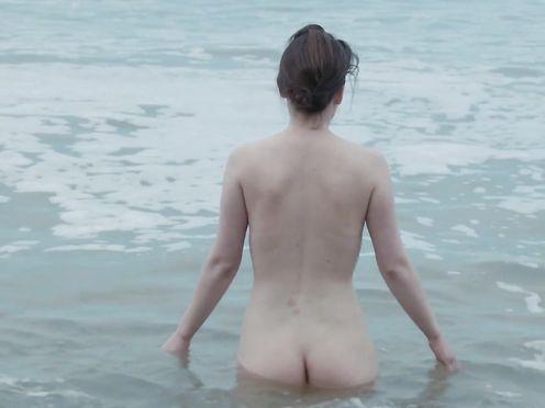 Shian Denovan nude – Siren (2014)