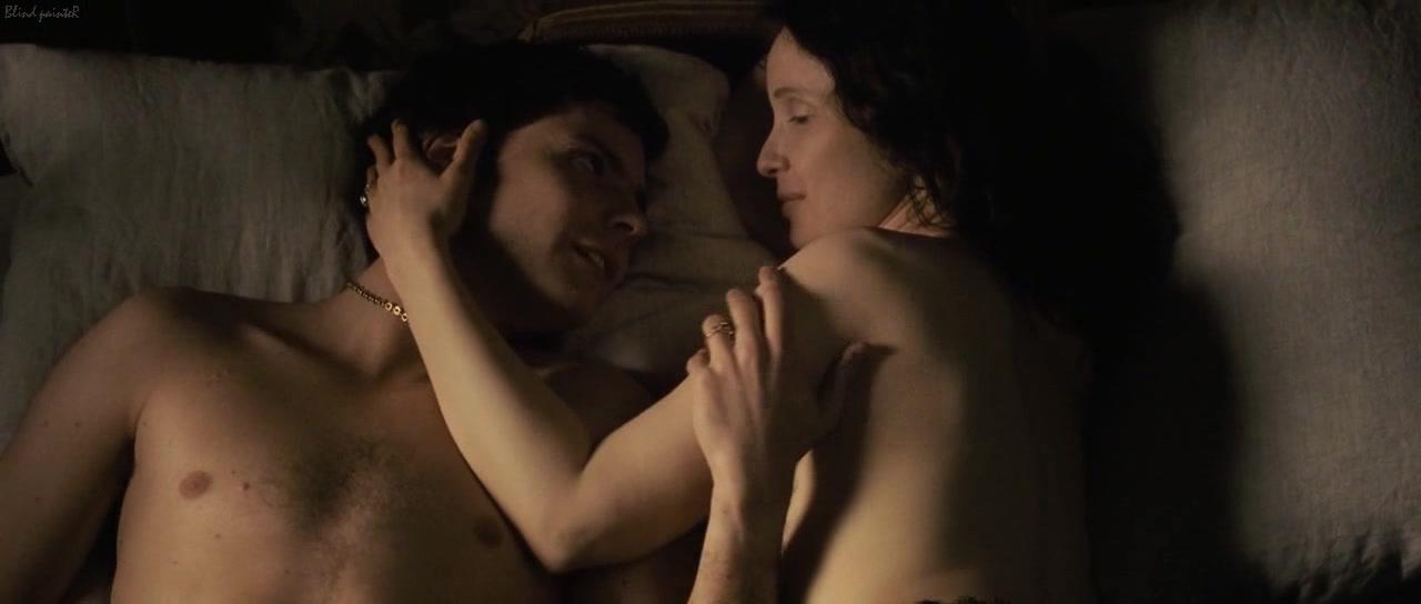 Julie Strain Nude Scene In Sorceress