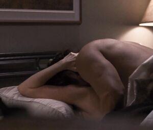 Holly Taylor  nackt