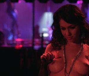Natasha Calis  nackt