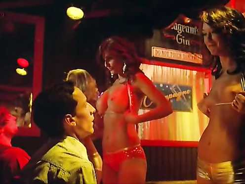 Julianna Guill nude – Road Trip-Beer Pong (2009)