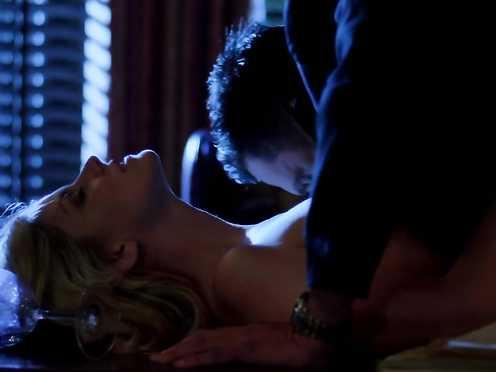 Nikki Griffin naked – Femme Fatales s02e07 (2012)