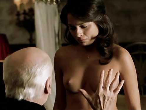 Stephanie Leonidas nude – La fiesta del Chivo (2005)