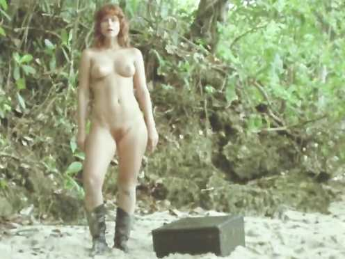 Elisa Heidrich Naked – Brute Politico (2017)