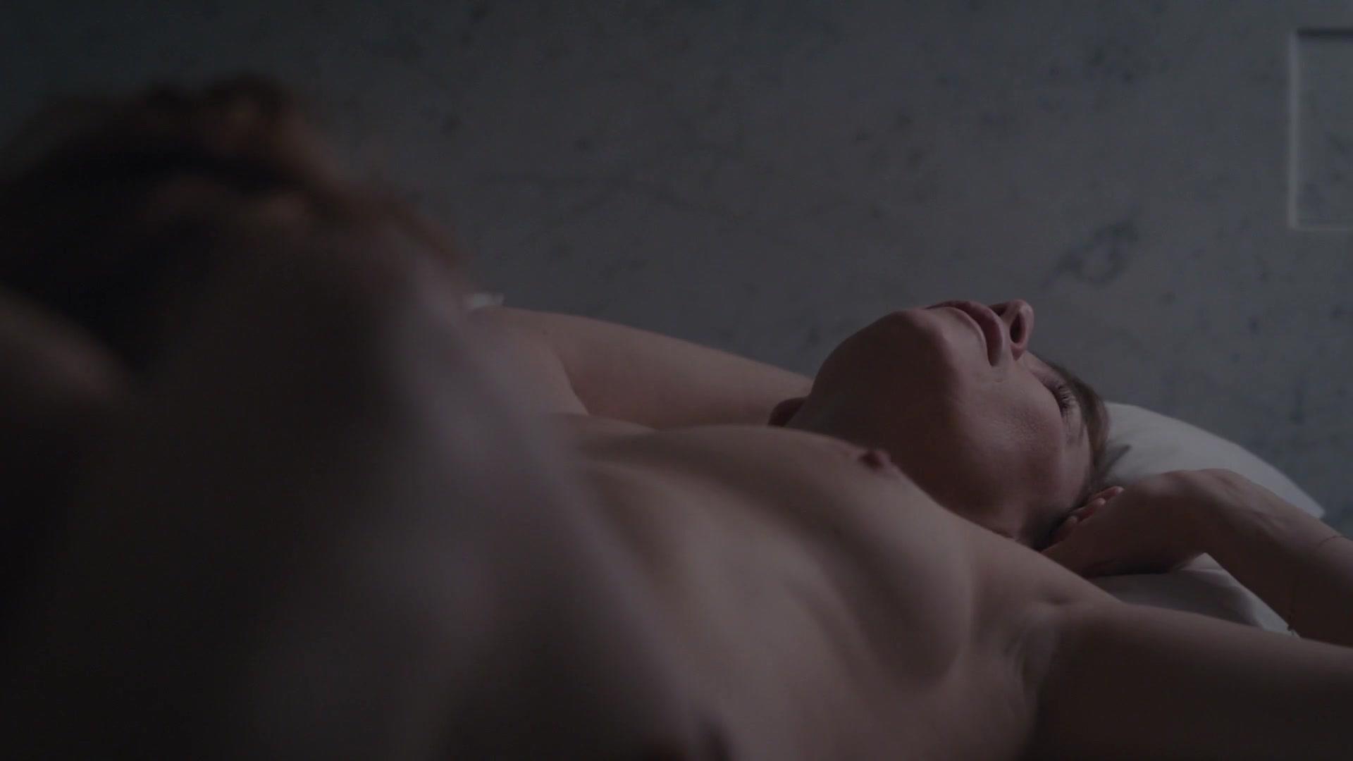 Anna friel nude scenes gif — pic 5
