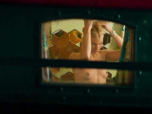Mona Walravens Naked – Gangsterdam (2017)