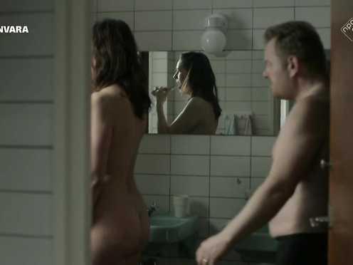 Margo Verhoeven, Saskia Temmink Nude – Camper God Los s04e02 (2017)