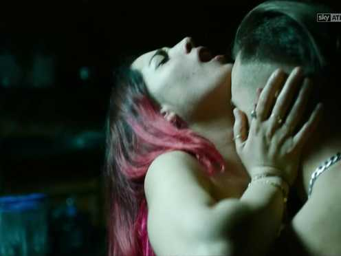 Gina Amarante Naked – Gomorra (2017) s03e07