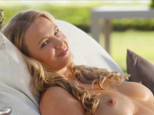 Irina Voronina Nude – Killing Hasselhoff (2017)