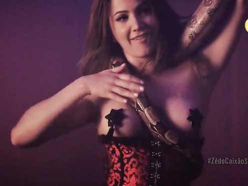 Vanessa Prieto Naked – Ze do Caixao – S01E01 (2015)