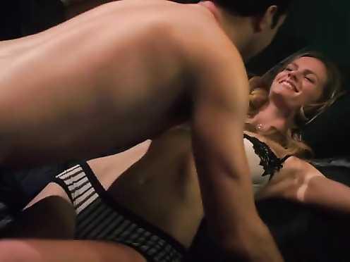 Angela Relucio, Damienne Merlina Nude, Brooklyn Decker, Sienna Farall Jaw-dropping – Cas